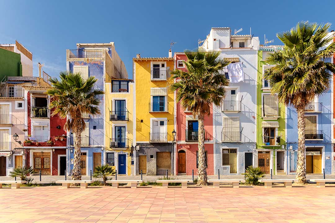 Valencia houses in pastel colours along the beach