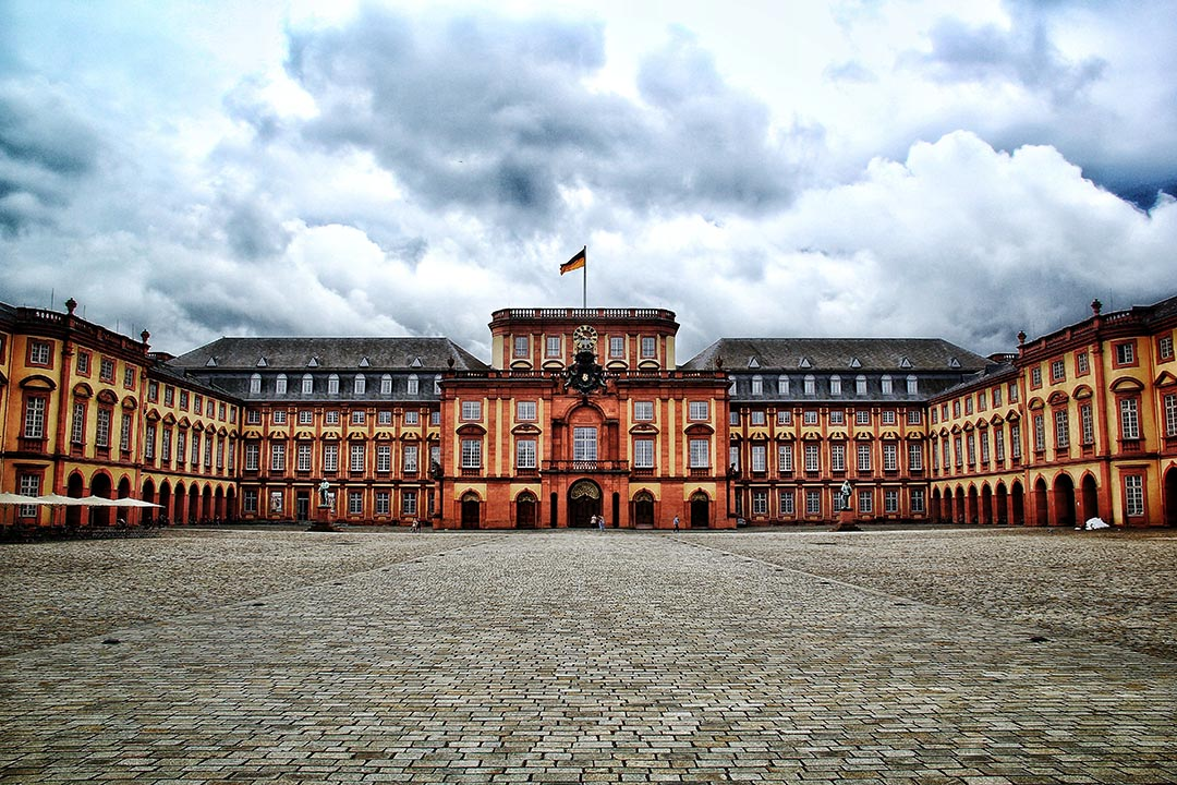 The exterior of the grand Barockschloss Mannheim