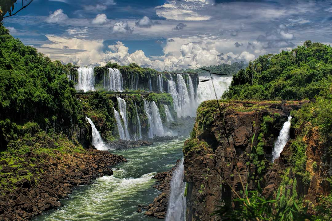 A view of the cascading water at the Iguazu waterfalls